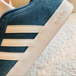 🆕Adidas Blue Court Shoes Women's New